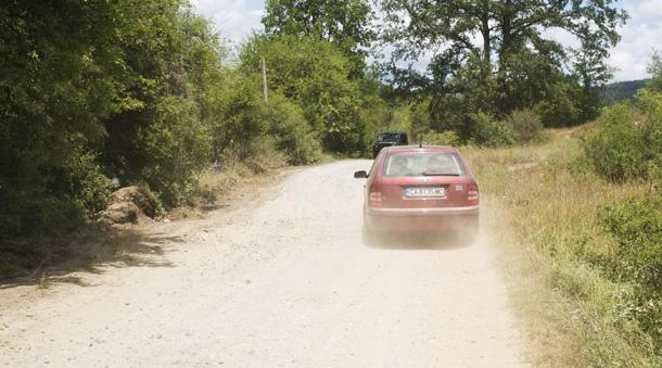 Има моменти,  когато уазката е по-бърза от леката кола